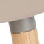 Siedzisko: szarobrązowy Nogi: drewno jesionowe Rama i podnóżek: szary