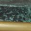 Tafelblad: groen marmer. Frame: mat goudkleurig