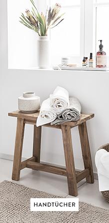 Handtücher-Duschvorleger-Abstelltisch