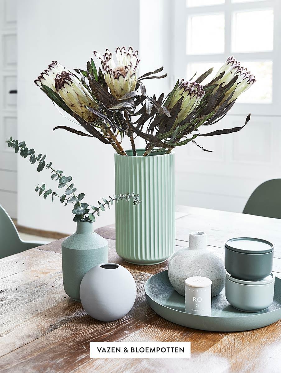 Deko-Vasen-Uebertoepfe-Blumen