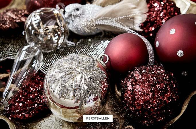 Weihnachtskugeln-Deko-Rot-Silber