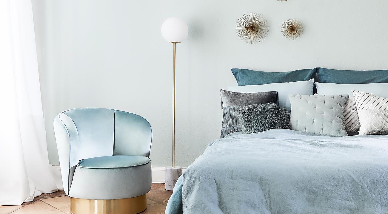 dekorative-stehleuchten-marmor-gold-schlafzimmer