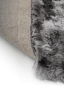 Glanzend hoogpolig vloerkleed Jimmy in lichtgrijs, rond, Bovenzijde: 100% polyester, Onderzijde: 100% katoen, Lichtgrijs, Ø 200 cm (maat L)