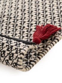 Handgewebter Wollteppich Tolga mit dunkelroten Quasten und Reliefoptik, 50% Wolle, 35% Baumwolle, 15% Nylon, Schwarz, Cremeweiß, B 160 x L 230 cm (Größe M)