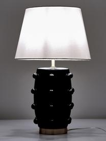 Große Keramik-Tischlampe Leandra, Lampenfuß: Keramik, Lampenschirm: Textil, Sockel: Metall, vermessingt, Lampenfuß: Schwarz, MessingLampenschirm: WeißKabel: Transparent, Ø 36 x H 57 cm