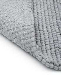 Wollteppich Pebble in Hellgrau, 80% Neuseeländische Wolle, 20% Nylon  Bei Wollteppichen können sich in den ersten Wochen der Nutzung Fasern lösen, dies reduziert sich durch den täglichen Gebrauch und die Flusenbildung geht zurück., Grau, B 160 x L 230 cm (Größe M)
