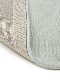 Handgeweven viscose vloerkleed Jane in lindegroen, Bovenzijde: 100% viscose, Onderzijde: 100% katoen, Lindegroen, B 160 x L 230 cm (maat M)
