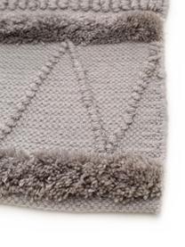 Ethno In- & Outdoor-Teppich Toni mit Hoch-Tief-Struktur, 100% Polyester (recyceltes PET), Grau, B 80 x L 150 cm (Größe XS)