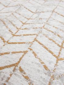 Teppich J. Ladder in Grau mit goldenem Zickzack-Muster, Vorderseite: 85%Baumwolle, 15%hochgl, Webart: Jacquard, Rückseite: Baumwollgemisch, latexbes, Grautöne, Gebrochenes Weiß, Goldfarben, B 170 x L 240 cm (Größe M)