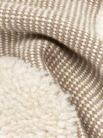 Handgewebte Kissenhülle Wool in Beige/Cremeweiß mit kuschligem Muster, Vorderseite: 89% Wolle, 11% Baumwolle, Rückseite: 100% Baumwolle, Beige, 45 x 45 cm