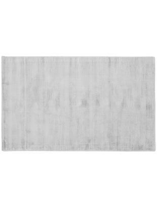 Tappeto in viscosa tessuto a mano Jane, Vello: 100% viscosa, Retro: 100% cotone, Grigio argento, Larg. 90 x Lung. 150 cm (taglia XS)