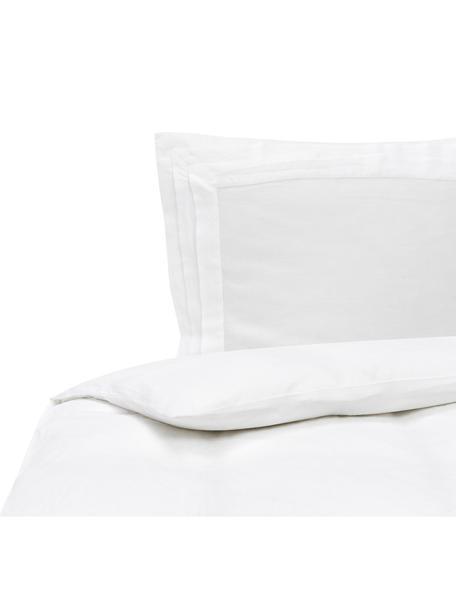 Gewaschene Leinen-Bettwäsche Helena in Weiss mit Stehsaum, Halbleinen (52% Leinen, 48% Baumwolle) Fadendichte 136 TC, Standard Qualität Halbleinen hat von Natur aus einen kernigen Griff und einen natürlichen Knitterlook, der durch den Stonewash-Effekt verstärkt wird. Es absorbiert bis zu 35% Luftfeuchtigkeit, trocknet sehr schnell und wirkt in Sommernächten angenehm kühlend. Die hohe Reissfestigkeit macht Halbleinen scheuerfest und strapazierfähig., Weiss, 155 x 220 cm + 1 Kissen 80 x 80 cm