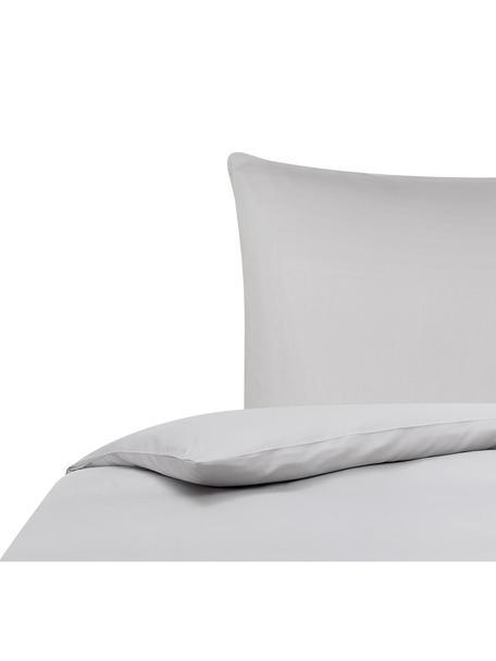 Bambus-Bettwäsche Skye in Grau, 55% Bambus, 45% Baumwolle  Fadendichte 400 TC, Premium Qualität  Bambus ist hypoallergen und antibakteriell. Daher eignet das Material sich hervorragend für empfindliche Haut. Es ist amungsaktiv und absorbiert Feuchtigkeit, um so die Körpertemperatur im Schlaf zu regulieren., Grau, 135 x 200 cm + 1 Kissen 80 x 80 cm
