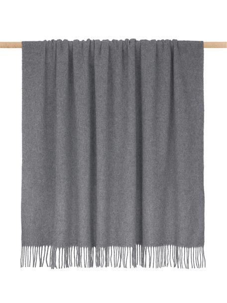 Lichte wollen plaid Patriciu met franjes, 100% wol, Donkergrijs, 130 x 170 cm