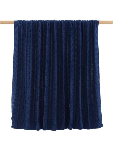 Strickdecke Caleb in Dunkelblau mit Zopfmuster, 100% Baumwolle, Blau, 130 x 170 cm