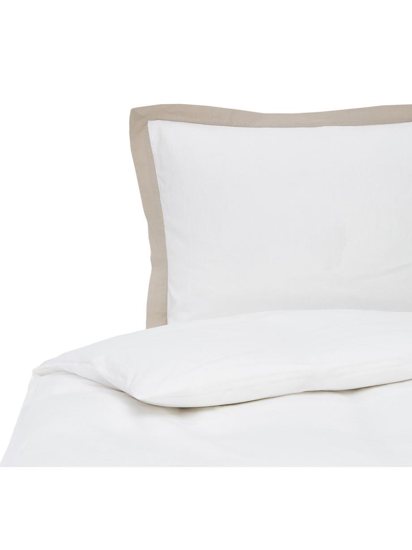 Gewaschene Leinen-Bettwäsche Eleanore in Weiss/Beige, Halbleinen (52% Leinen, 48% Baumwolle) Fadendichte 136 TC, Standard Qualität Halbleinen hat von Natur aus einen kernigen Griff und einen natürlichen Knitterlook, der durch den Stonewash-Effekt verstärkt wird. Es absorbiert bis zu 35% Luftfeuchtigkeit, trocknet sehr schnell und wirkt in Sommernächten angenehm kühlend. Die hohe Reissfestigkeit macht Halbleinen scheuerfest und strapazierfähig., Weiss, Beige, 135 x 200 cm + 1 Kissen 80 x 80 cm