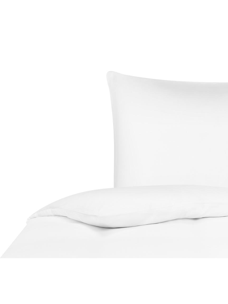 Bambus-Bettwäsche Skye in Weiß, 55% Bambus, 45% Baumwolle  Fadendichte 400 TC, Premium Qualität  Bambus ist hypoallergen und antibakteriell. Daher eignet das Material sich hervorragend für empfindliche Haut. Es ist amungsaktiv und absorbiert Feuchtigkeit, um so die Körpertemperatur im Schlaf zu regulieren., Weiß, 240 x 220 cm + 2 Kissen 80 x 80 cm