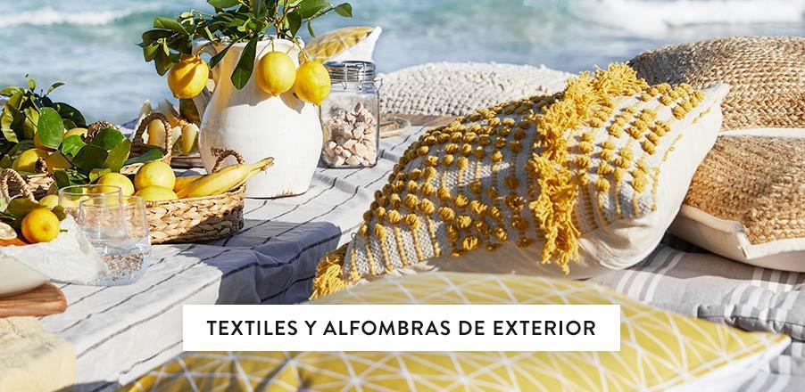 2020_textiles_exterior