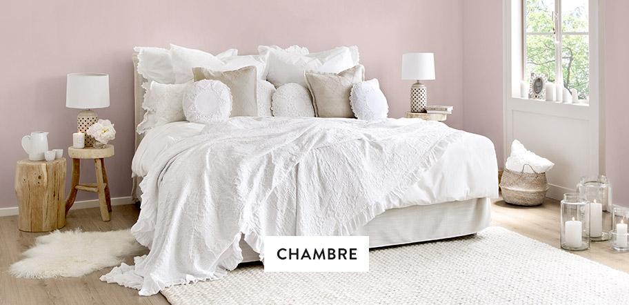 Moebel-Schlafzimmer-Bett-Kissen