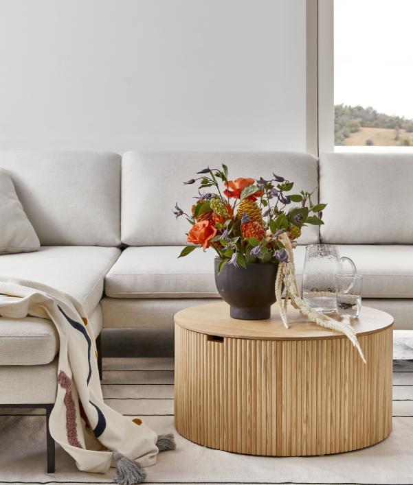 Muebles y decoración en circulos