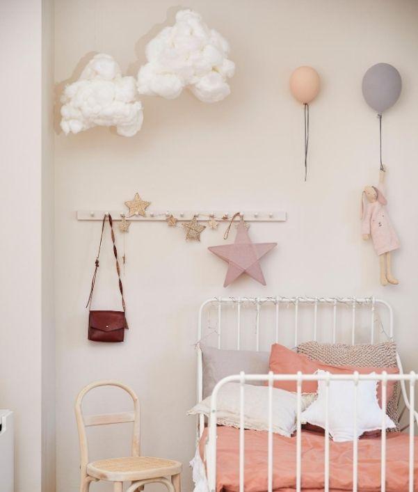 deco-murale-chambre-fille-rose-pastel