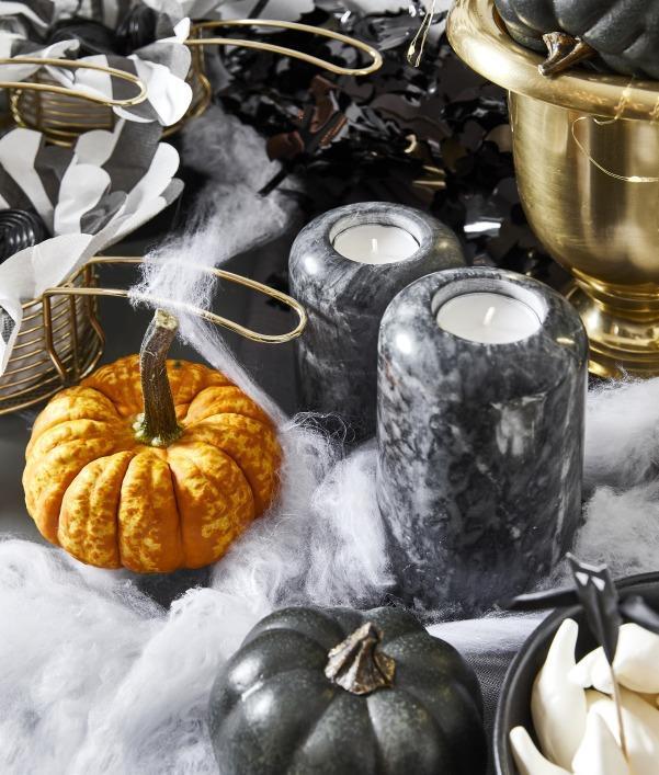 decorations-halloween-maison-noir-orange
