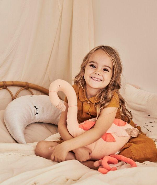 Dekokissen & Kuscheltiere für Kinder