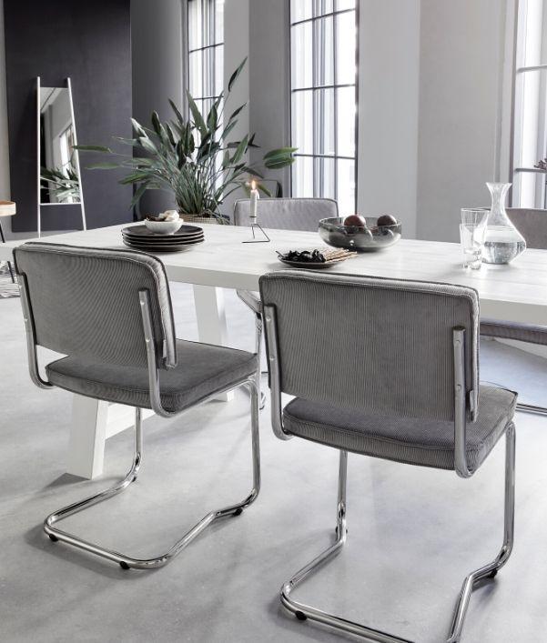 Freischwinger Stühle