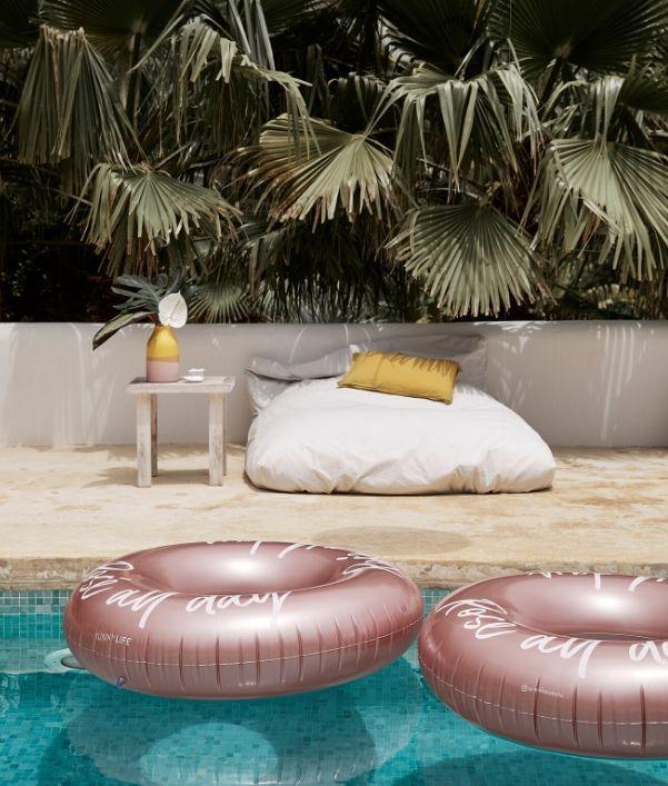 Außenbereich gestalten: Pool Accessoires