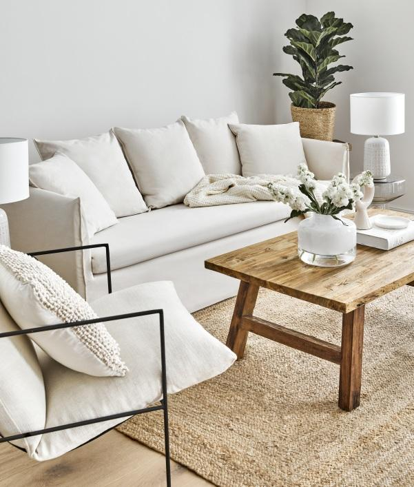 Weisses Sofa Mila aus der Westwing Collection