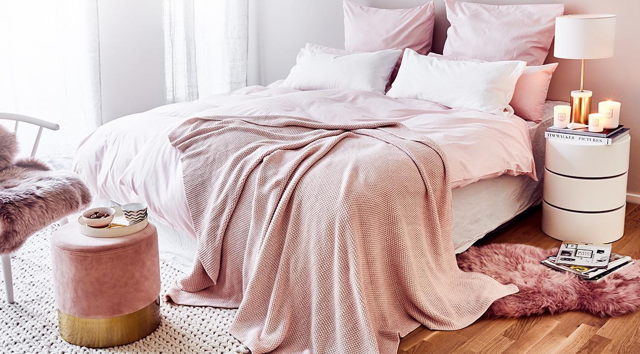 textilien-teppiche-schlafzimmer-rosa