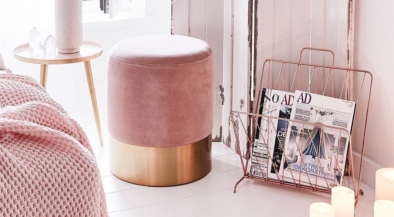Zeitschriftenhalter in Rosegold aus Metall im Schlafzimmer