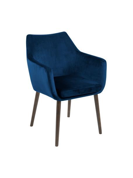 Fluwelen armstoel Nora, Bekleding: polyester fluweel, Poten: gebeitst en gelakt eikenh, Fluweel donkerblauw, poten donkerbruin, 58 x 84 cm