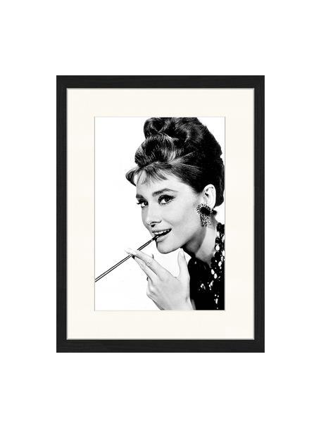 Ingelijste digitale print Audrey Hepburn, Afbeelding: digitale print op papier,, Lijst: gelakt hout, Zwart, wit, 33 x 43 cm