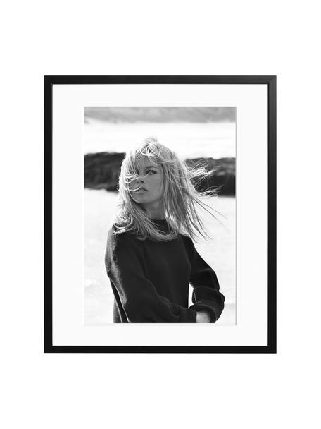 Gerahmter Fotodruck Bardot Poses, Bild: Fuji Crystal Archive Papi, Rahmen: Holz, lackiert, Front: Plexiglas, Bild: Schwarz, Weiß<br>Rahmen: Schwarz<br>Front: Transparent, 50 x 60 cm