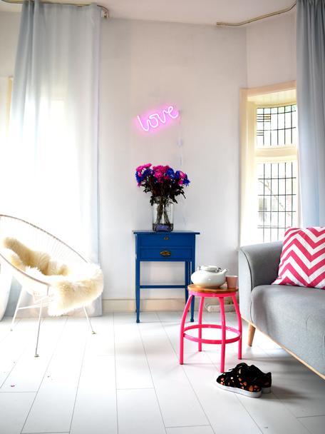 LED-Wandleuchte Love, Leuchte: BPA-freier Kunststoff (PV, Lichtfarbe: Pink<br>Im ausgeschaltenen Zustand ist die LED-Leuchte Weiß, 38 x 16 cm