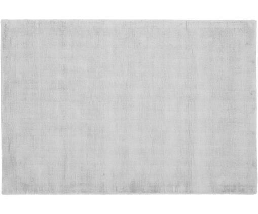 Alfombra artesanal de viscosa Jane, Parte superior: 100%viscosa, Reverso: 100%algodón, Gris plata, An 120 x L 180 cm (Tamaño S)