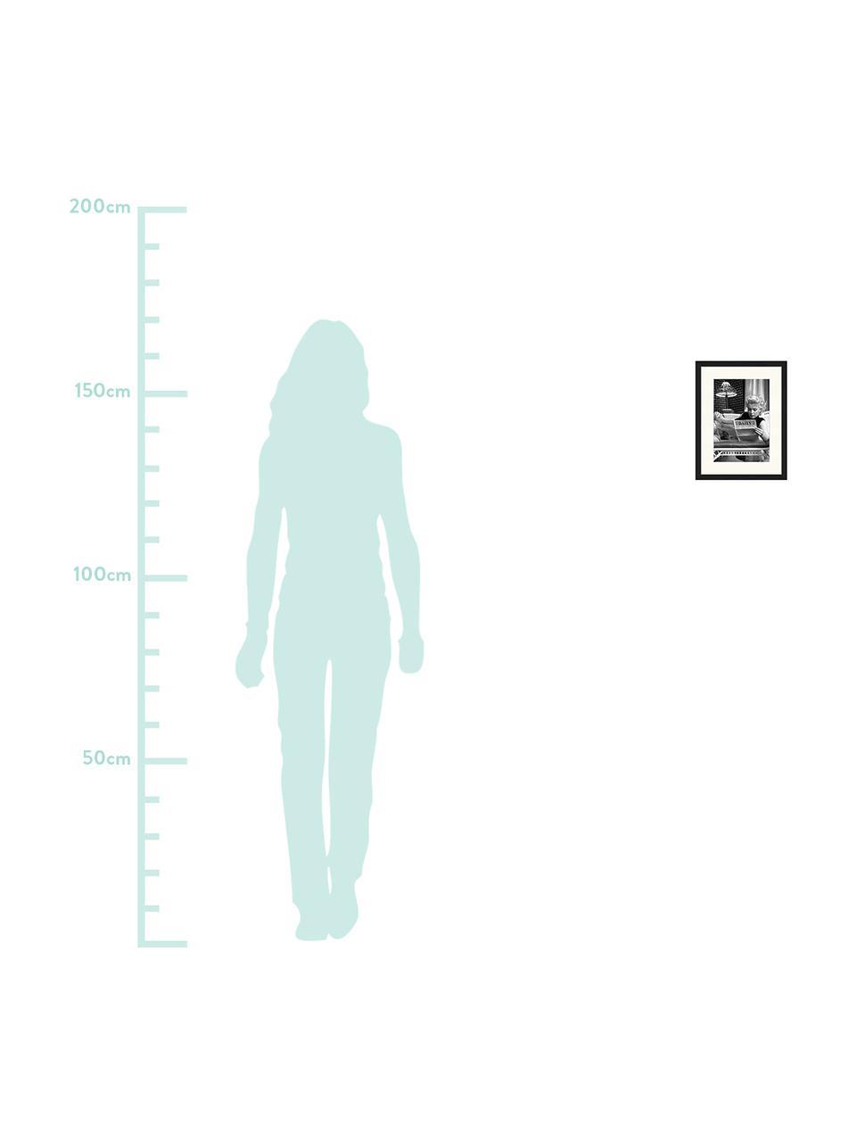 Gerahmter Digitaldruck Marilyn Monroe Reading, Bild: Digitaldruck auf Papier, , Rahmen: Holz, lackiert, Front: Plexiglas, Bild: Schwarz, Weiss Rahmen: Schwarz, 33 x 43 cm