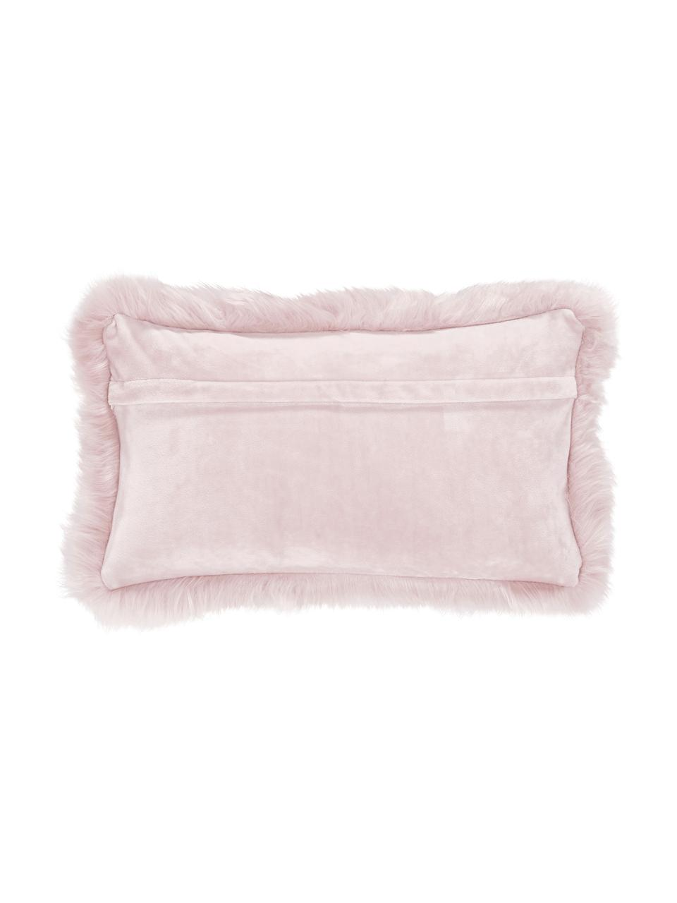 Flauschige Kunstfell-Kissenhülle Mathilde in Rosa, glatt, Vorderseite: 67% Akryl, 33% Polyester, Rückseite: 100% Polyester, Rosa, 30 x 50 cm