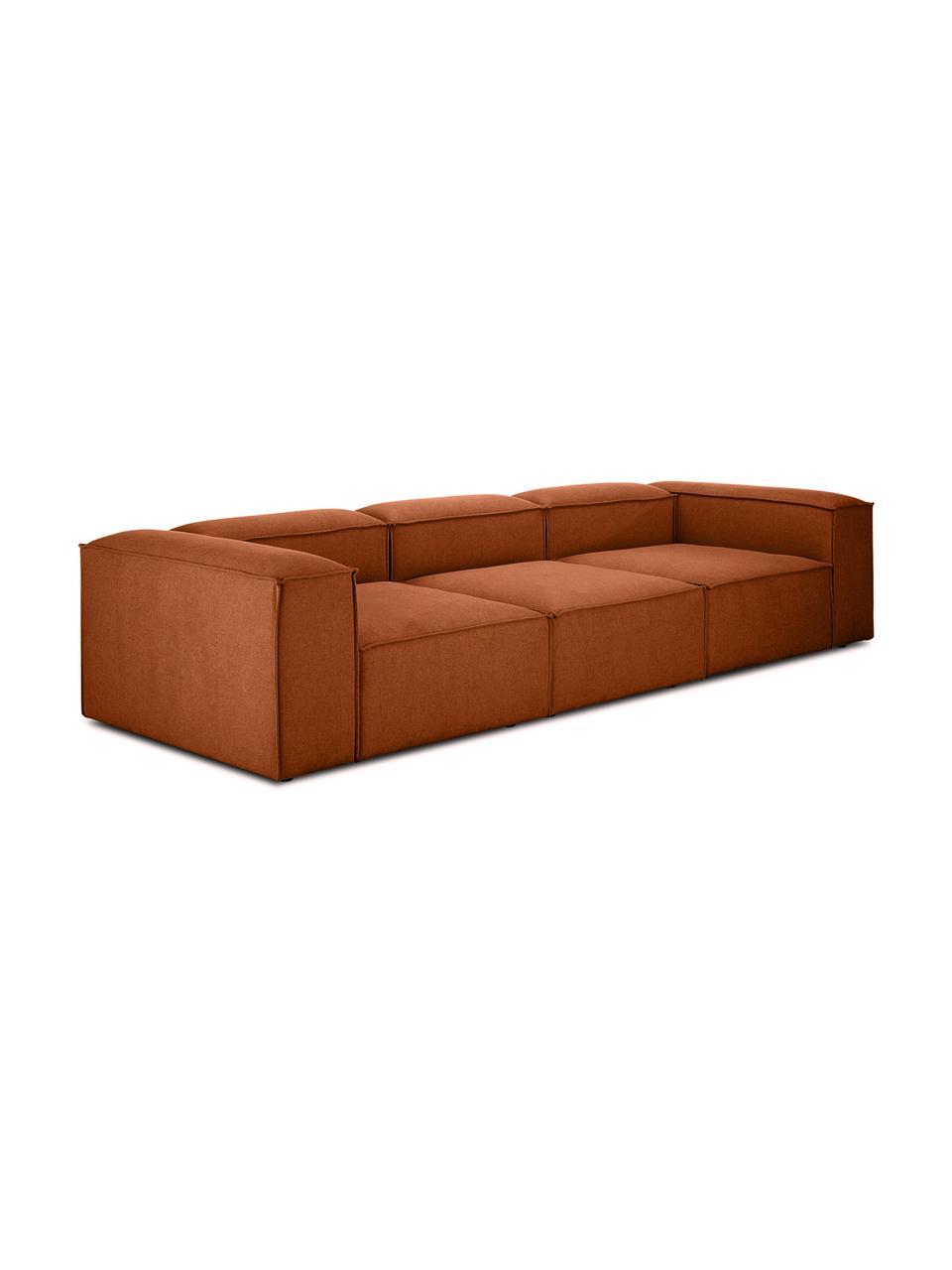 Modulares Sofa Lennon (4-Sitzer) in Terrakotta, Bezug: Polyester Der hochwertige, Gestell: Massives Kiefernholz, Spe, Füße: Kunststoff, Webstoff Terrakotta, B 326 x T 119 cm