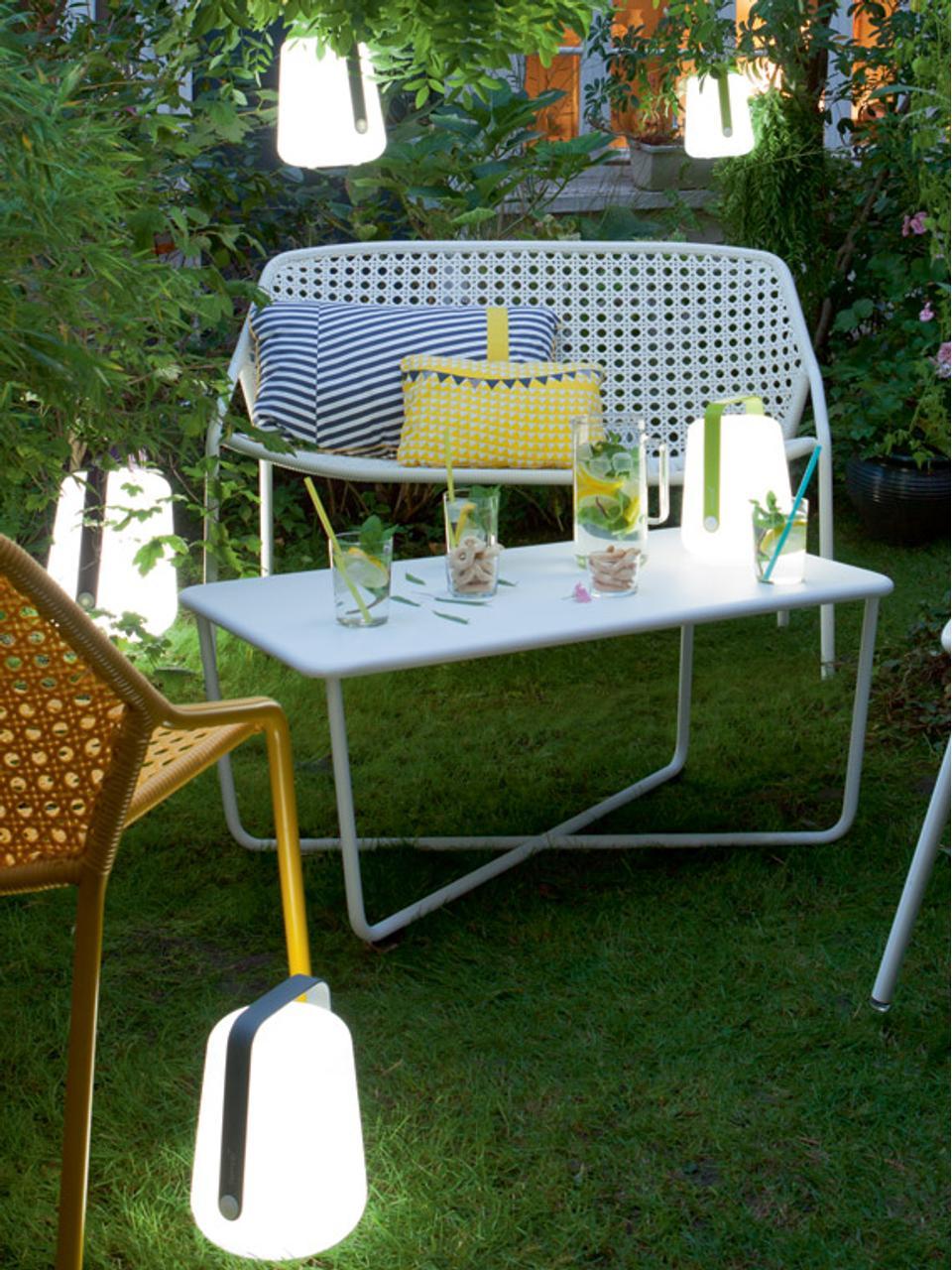 Lampada da tavolo dimmerabile da esterno Balad, Paralume: polietilene altamente tra, Manico: alluminio verniciato, Marrone noce moscata, Ø 28 x Alt. 38 cm