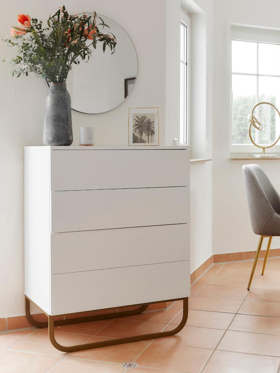 Ladekast Sanford in wit, Frame: gelakt MDF, Frame: mat wit. Onderstel: mat goudkleurig, 80 x 106 cm