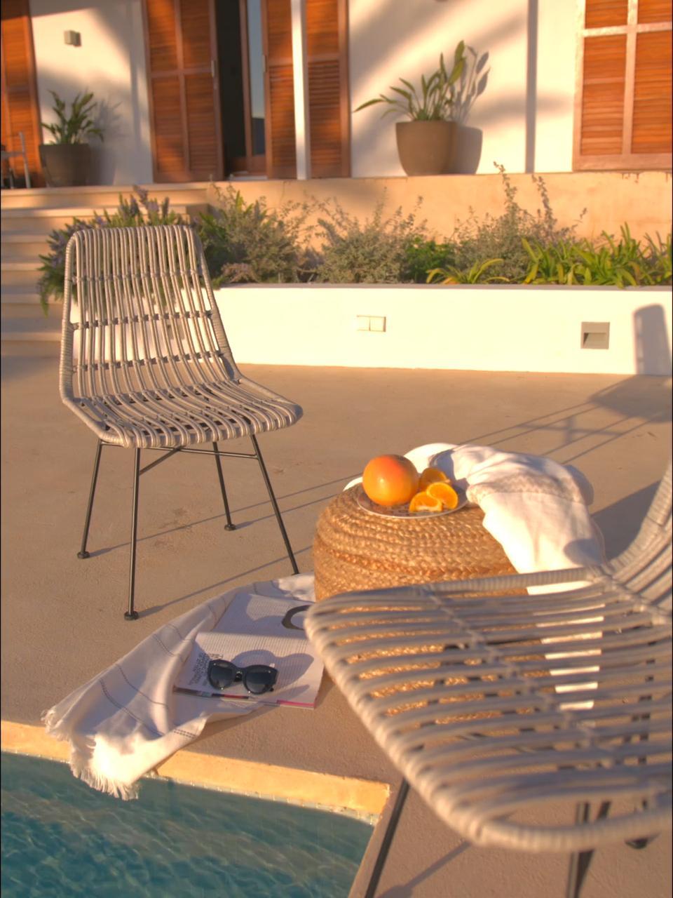 Sedia intrecciata Costa 2 pz, Seduta: intreccio in polietilene, Struttura: metallo verniciato a polv, Marrone chiaro Gambe: nero, Larg. 47 x Prof. 61 cm