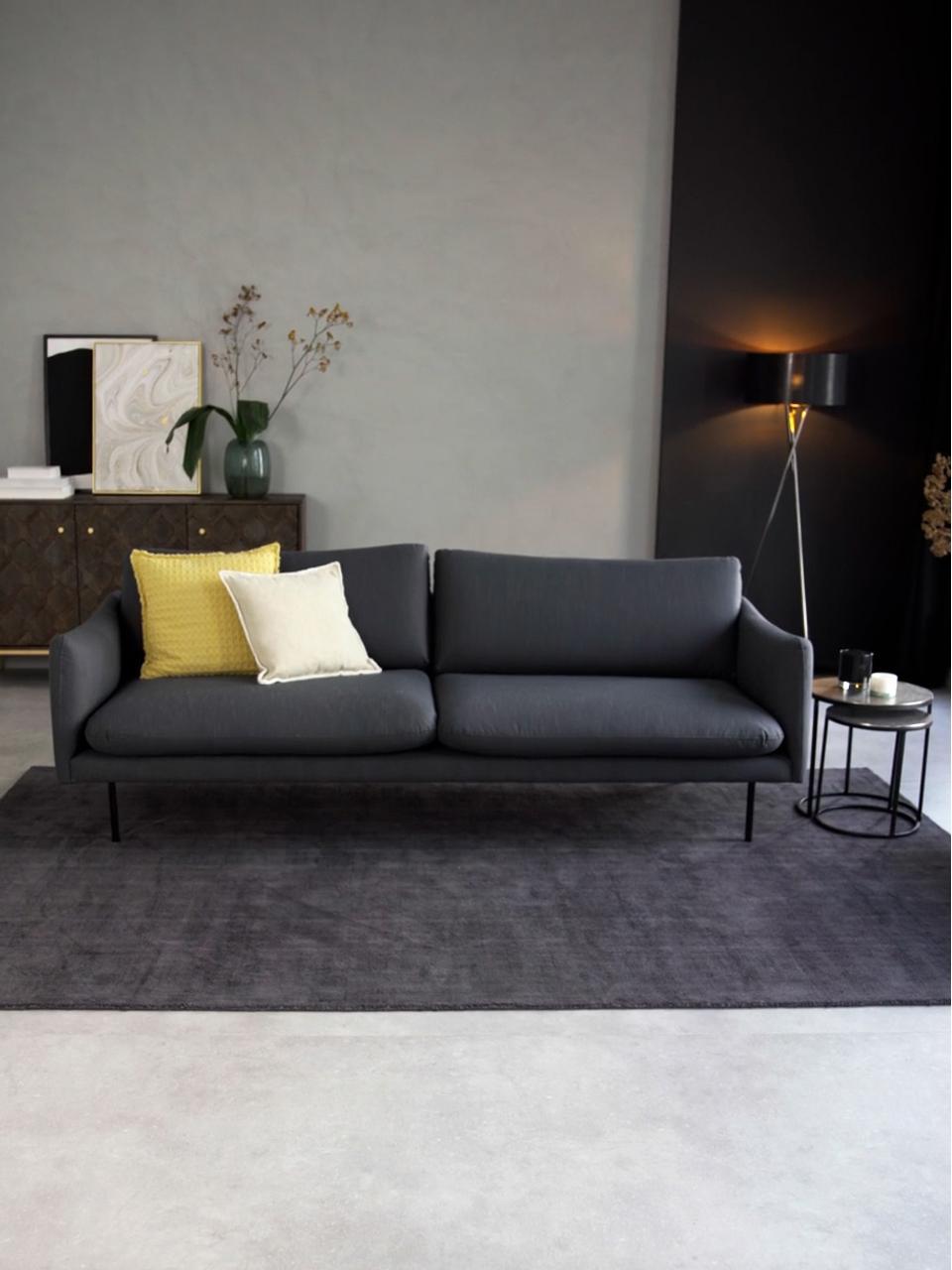 Sofa Moby (3-Sitzer) in Dunkelgrau mit Metall-Füßen, Bezug: Polyester Der hochwertige, Gestell: Massives Kiefernholz, Füße: Metall, pulverbeschichtet, Webstoff Dunkelgrau, B 220 x T 95 cm