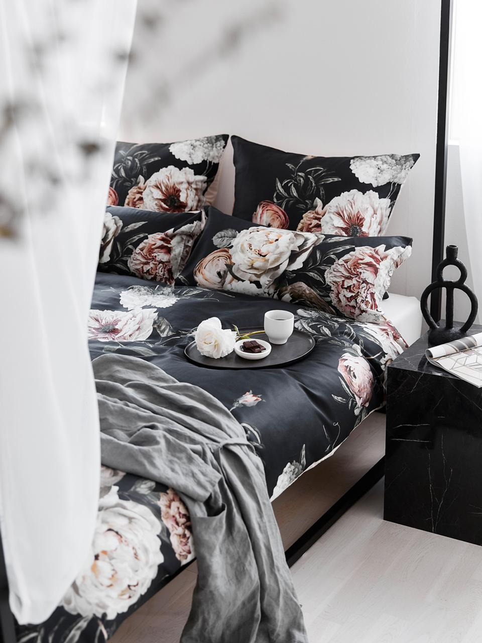 Parure copripiumino in raso di cotone Blossom, Nero, 155 x 200 cm + 1 cuscino 50 x 80 cm