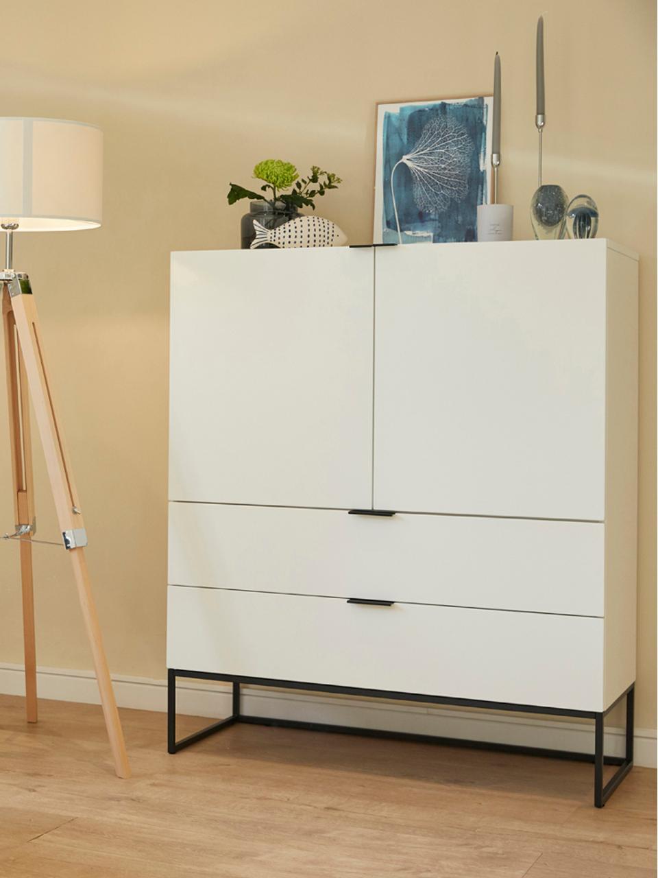 Wysoka komoda z szufladami Kobe, Korpus: biały, matowy Stelaż i uchwyty: czarny, matowy, S 100 x W 120 cm