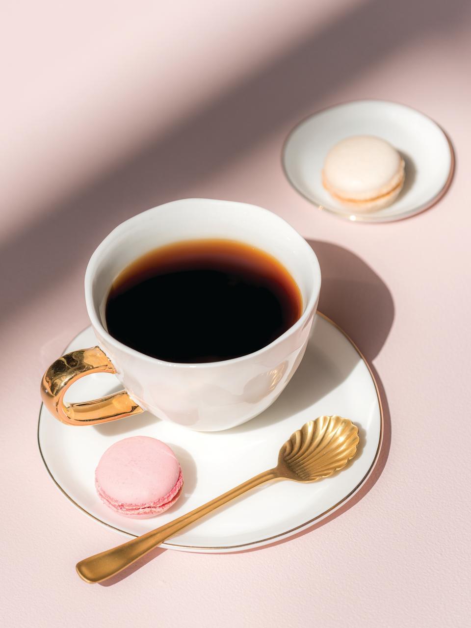 Tasse Good Morning in Weiß mit goldenem Griff, Steingut, Weiß, Goldfarben, Ø 11 x H 8 cm