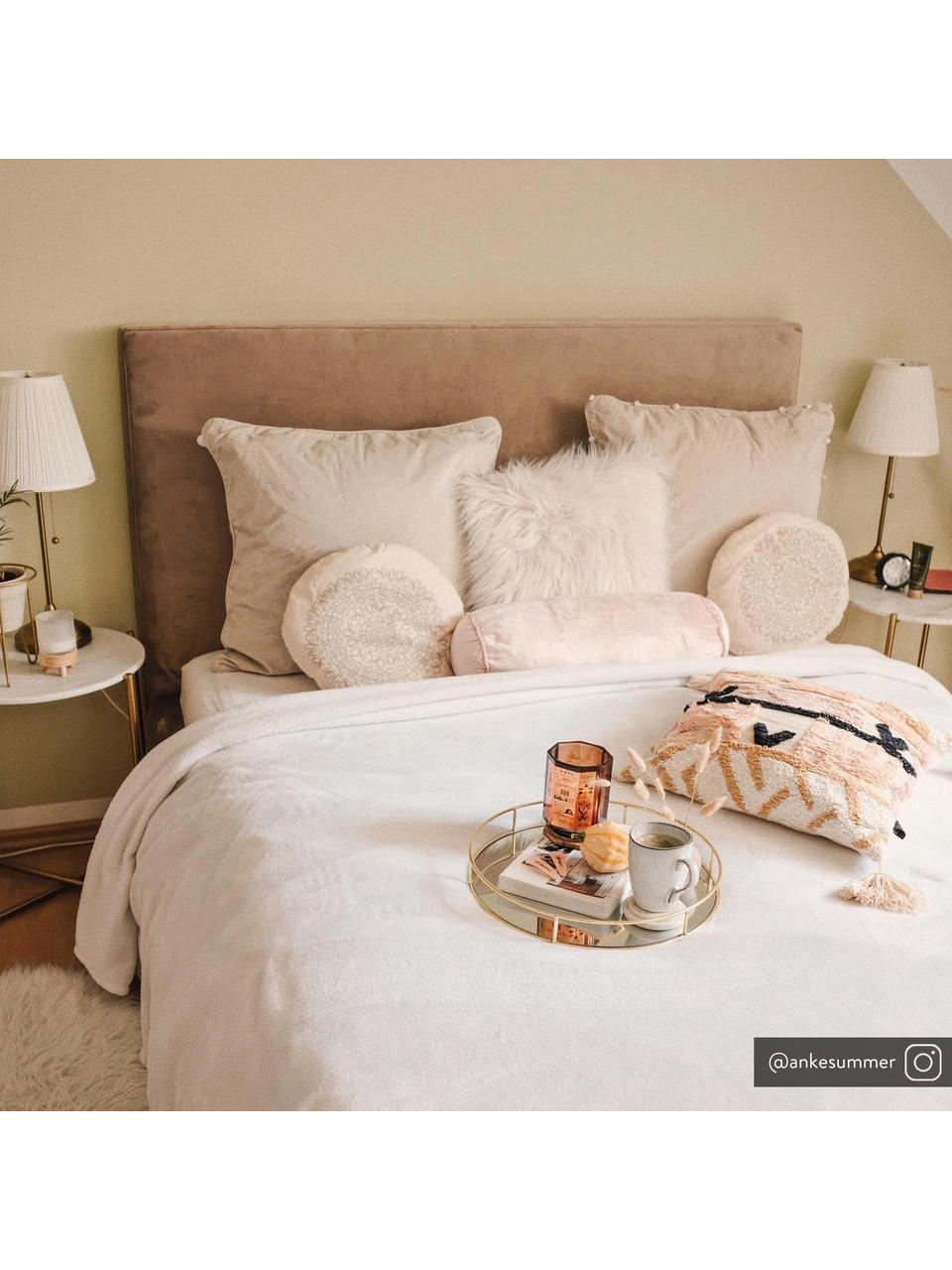 Łóżko tapicerowane z aksamitu Peace, Korpus: lite drewno sosnowe i pły, Nogi: metal malowany proszkowo, Tapicerka: aksamit poliestrowy 290 g, Taupe, 160 x 200 cm