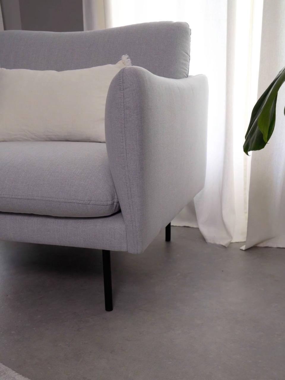 Fauteuil moderne gris clair Moby, Tissu gris clair