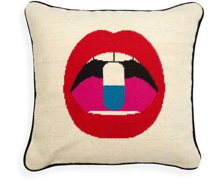 Handgeborduurd designer kussen Lips Pill, met vulling